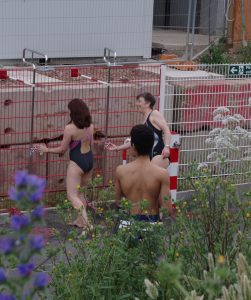 shower at kings cross pool